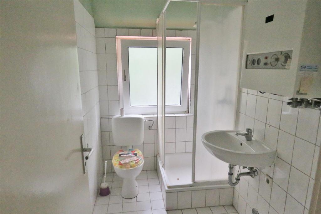 Duschbad (Dachgeschosswohnung, Emden-Port Arthur/Transvaal)