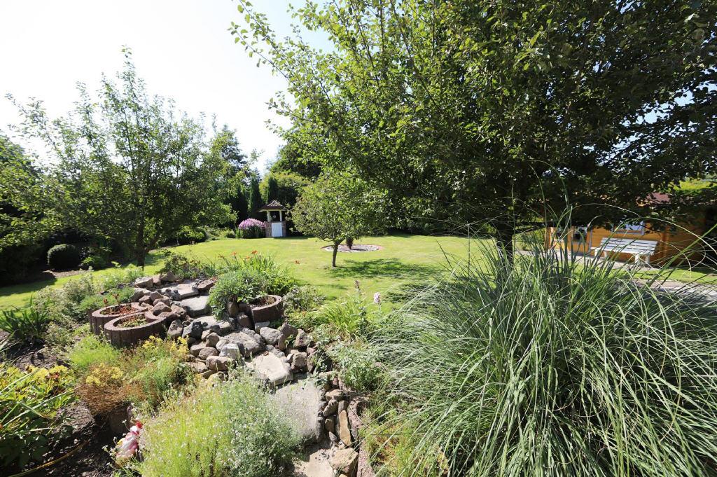 Garten (1-2 Familienhaus, Berumbur)